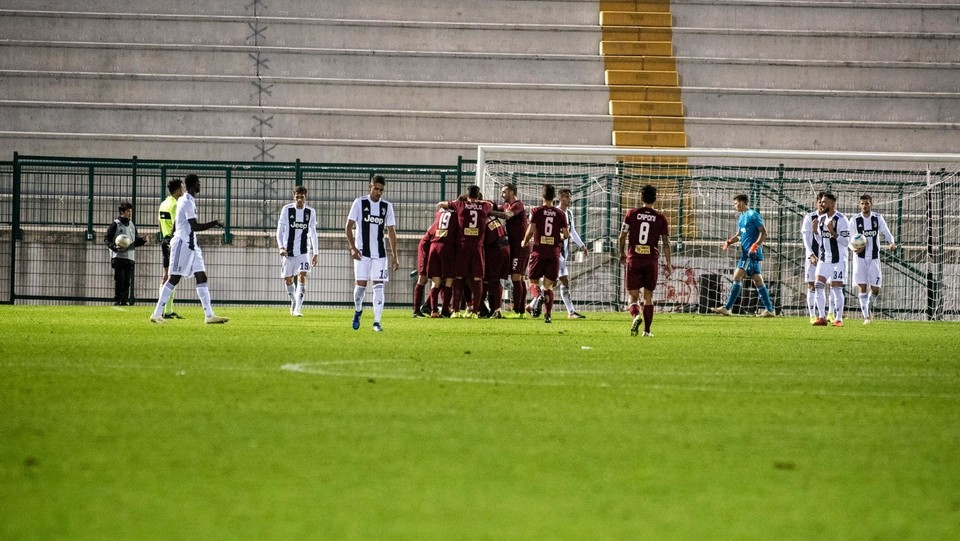 Juventus U23-Pontedera 1-2 - Il Pontedera esulta dopo il gol del 2-1 ©