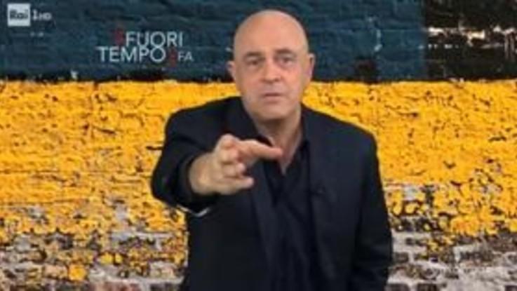 """Inceneritori, Crozza a Di Maio: """"Perché non abolisci i botti di Capodanno?"""""""