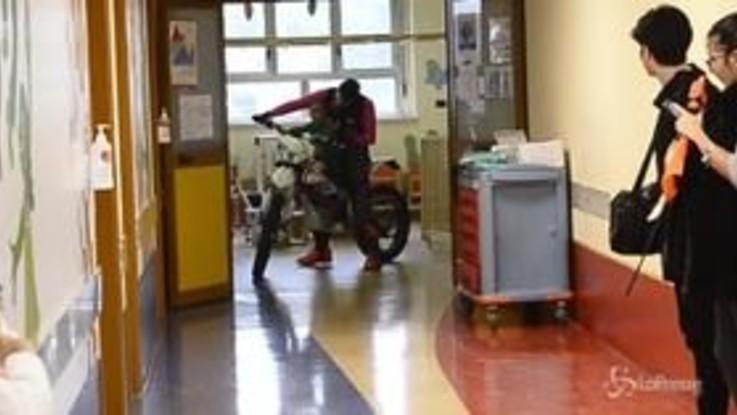 Torino, all'ospedale Regina Margherita lo spettacolo della moto terapia per i bambini