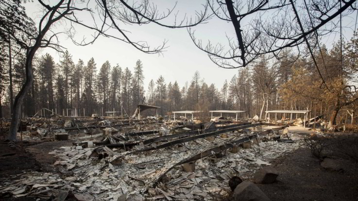 Incendi in California: il bilancio sale a 83 morti e 563 dispersi