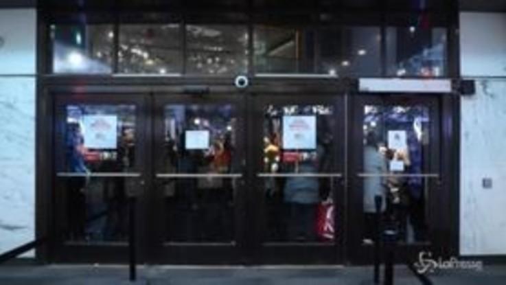 Black Friday, i newyorkesi sfidano il gelo per gli sconti di Macy's