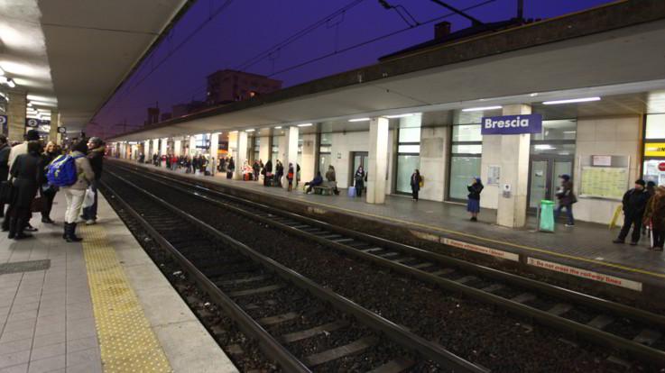 Muore operaio investito da treno sulla linea Milano-Brescia