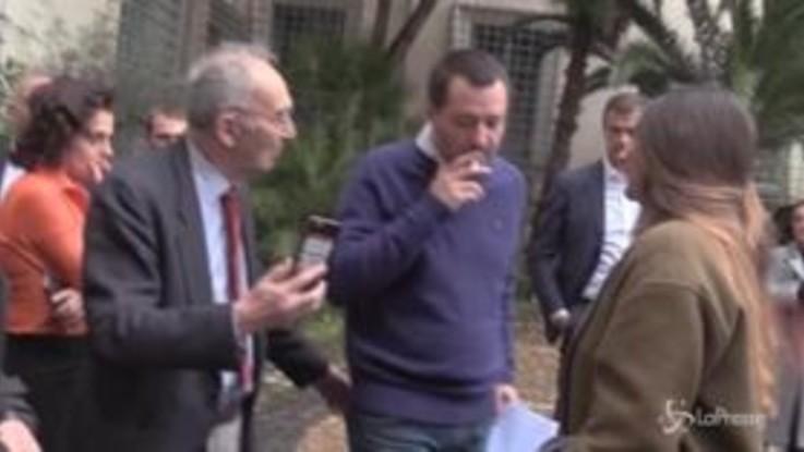 """Salvini: """"Ho sentito Savona, non ha nessuna intenzione di dimettersi"""""""