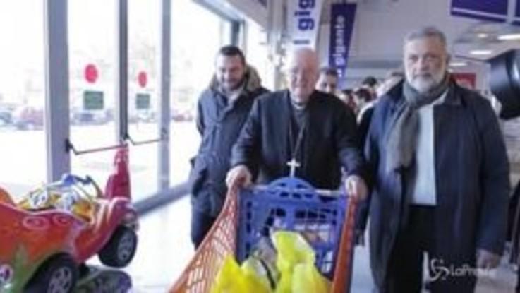 """Torino, l'arcivescovo Nosiglia alla Colletta Alimentare: """"La povertà è tanta e le esigenze sono sempre maggiori"""""""