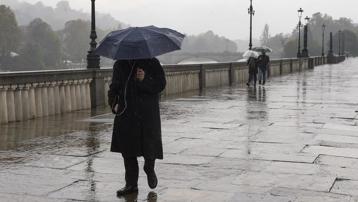Continua il maltempo, temporali sull'Italia: il meteo del 25 e 26 novembre