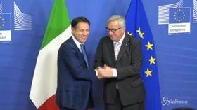 """Manovra, Conte da Juncker: """"Non litighiamo, we are friends"""""""