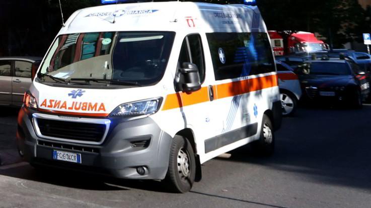 Tragedia a Roma, cade dal quinto piano del palazzo: morta una bimba