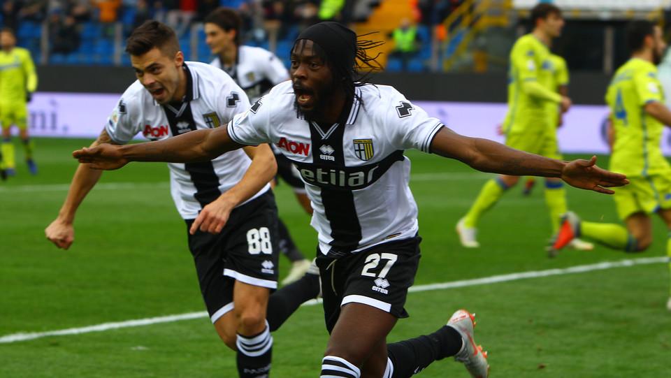 Gervinho esulta dopo il gol dell'1-0 ©