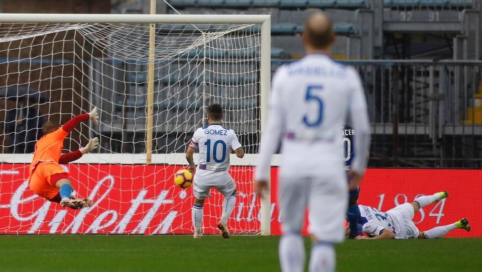 40' L'Atalanta raddoppia! Hans Hateboer batte il portiere e segna la seconda rete. Risultato: 0-2 ©
