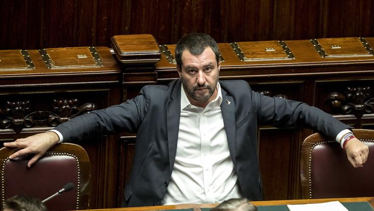 """Manovra, Salvini: """"Ci sono pure troppi soldi"""". E il Tesoro annulla l'asta Btp"""