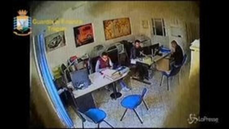 Trapani, arrestato capo Genio civile: nel video il pagamento delle mazzette