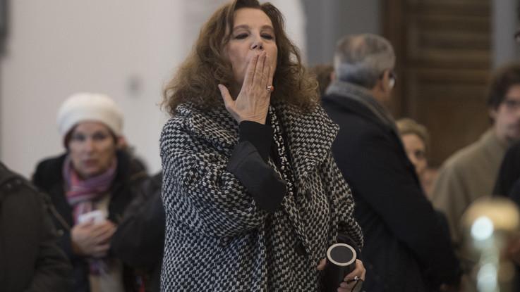 Da Stefania Sandrelli a Walter Veltroni, gli omaggi alla camera ardente di Bertolucci