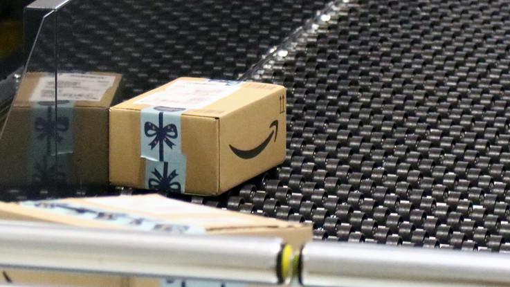 Amazon ora è operatore postale. Faro di Agcom e consumatori