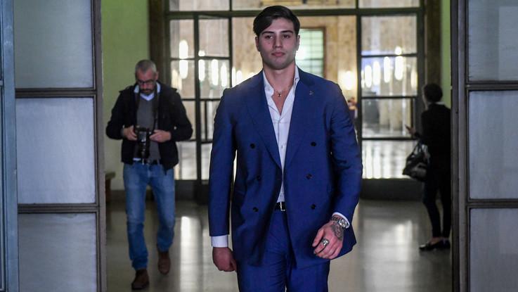 Aggressione a Niccolò Bettarini, imputato ammette di averlo ferito con una coltellata