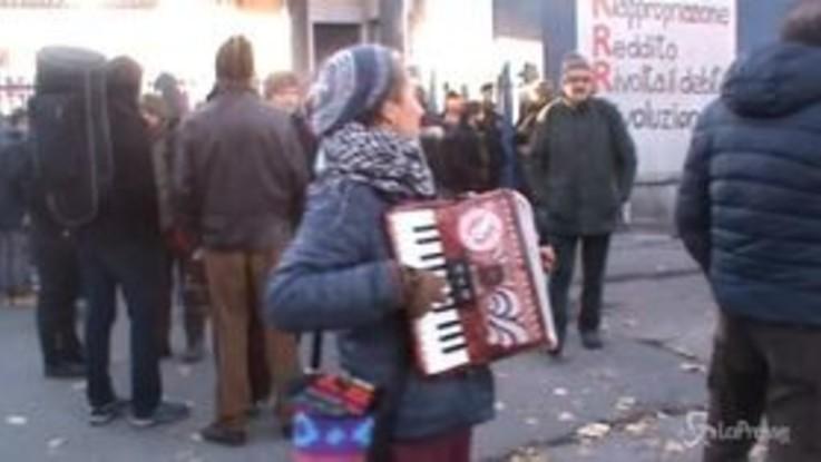 Milano: presidio alla RiMaflow, l'azienda autogestita rischia lo sfratto
