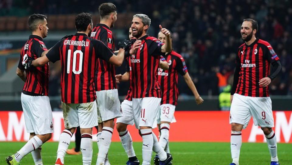 Il Milan esulta ma rimane sempre secondo nel gruppo F dietro al Betis Siviglia, vittorioso in casa per 1-0 contro l'Olympiacos ©