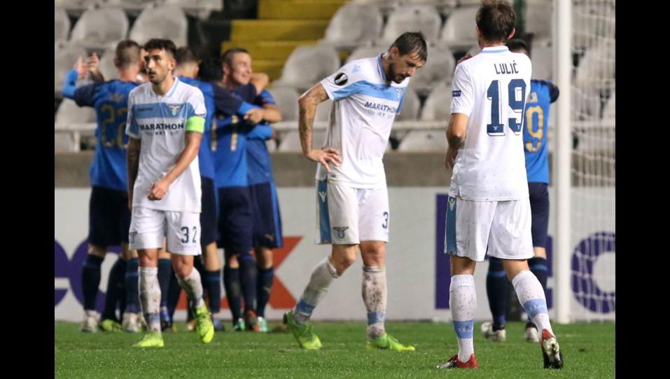 La delusione della Lazio dopo il raddoppio degli avversari ©