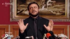 """Crozza/Salvini: """"Apriremo scuole per ladri italiani, che non ci sono più"""""""
