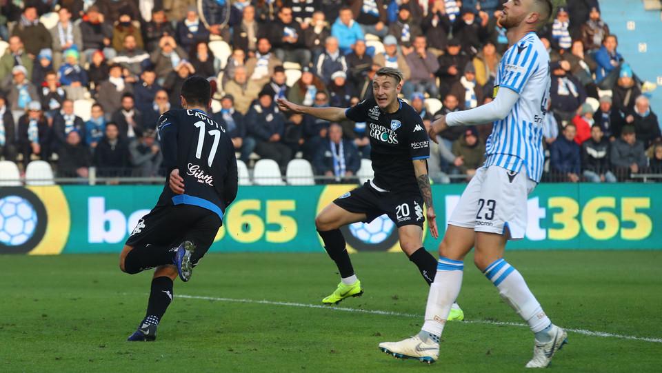 Al 24' Caputo risponde a Kurtic: il suo gol per l'Empoli ristabilisce la parità ©