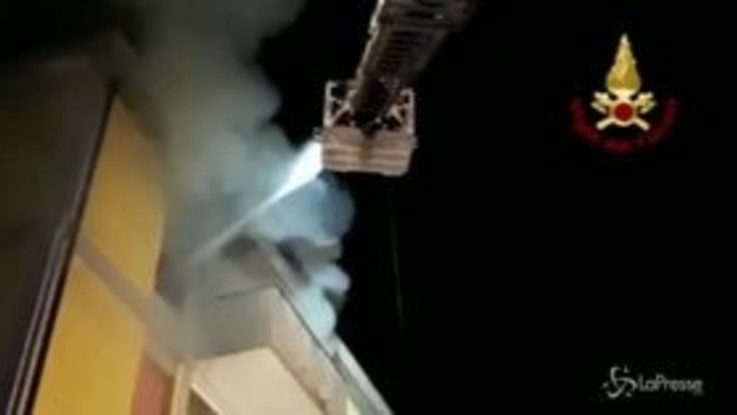 Sassari, incendio a Porto Torres: muore 25enne