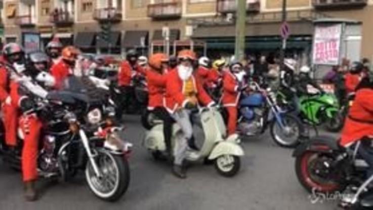 Torino, in moto per beneficenza: il raduno dei Babbi Natale