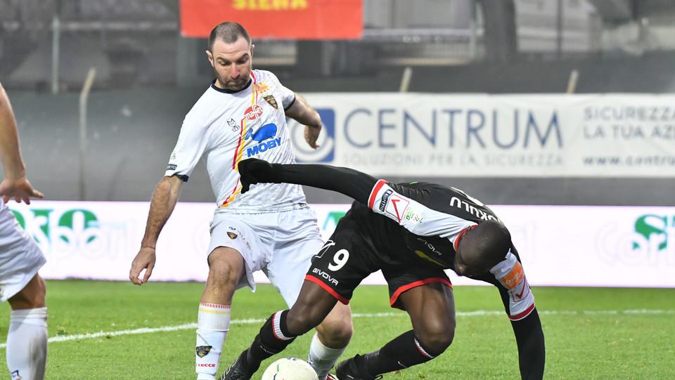 Carpi-Lecce 0-1. Mokulu Tembe ©