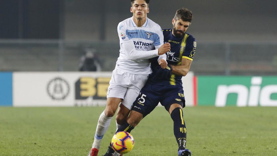 Correa (Lazio) e Rossettini (Chievo) ©