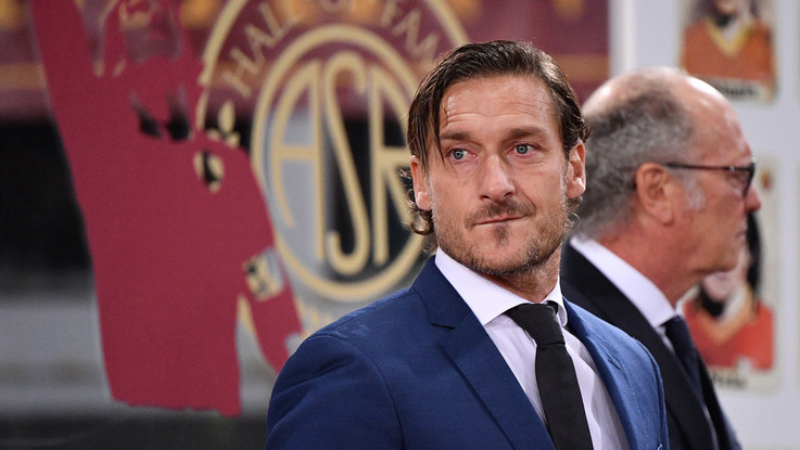"""Roma-Inter e il rigore mancato, Totti: """"La squadra del Var guardava un'altra partita?"""""""