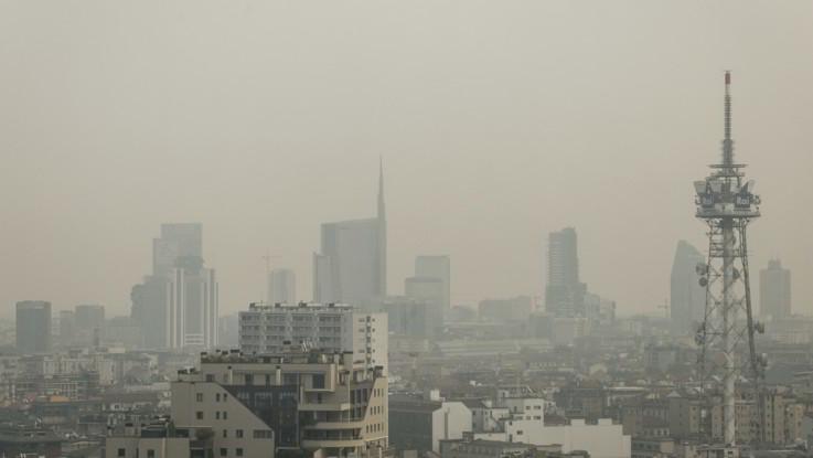 """Smog, Iss: """"250mila morti l'anno, abbiamo venti anni per salvarci"""""""
