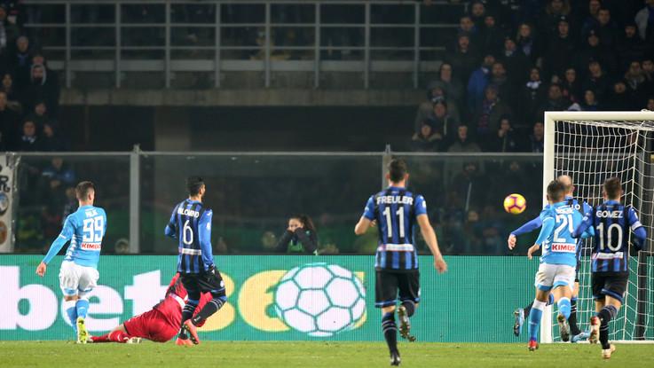 Serie A, Fabian e Milik mettono ko l'Atalanta: Napoli a -8 dalla Juve