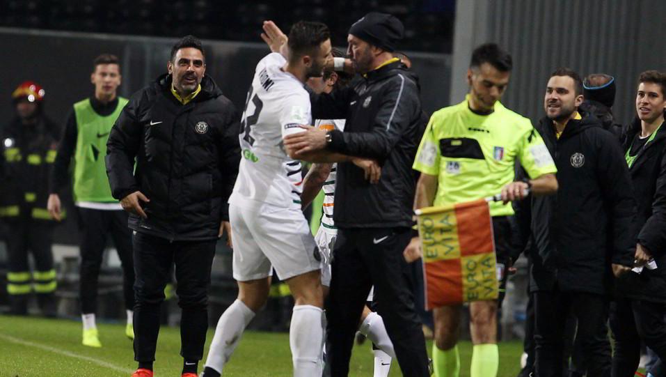 Foggia-Venezia 1-1. Vrioni festeggia il pareggio definitivo ©