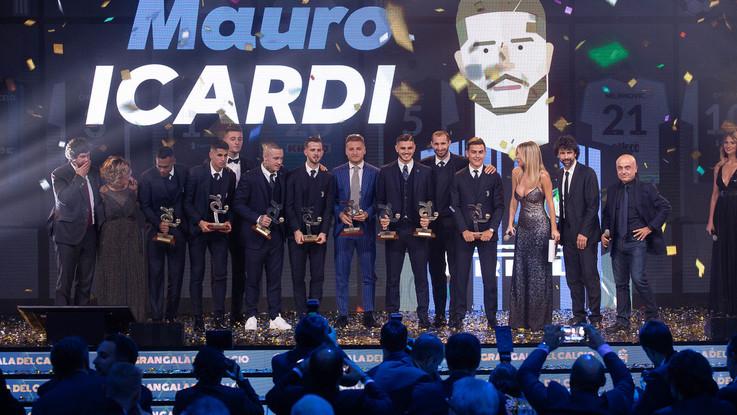 Da Icardi e Dybala a Totti e Pirlo: le stelle della Serie A passata e recente al Gran Galà del calcio