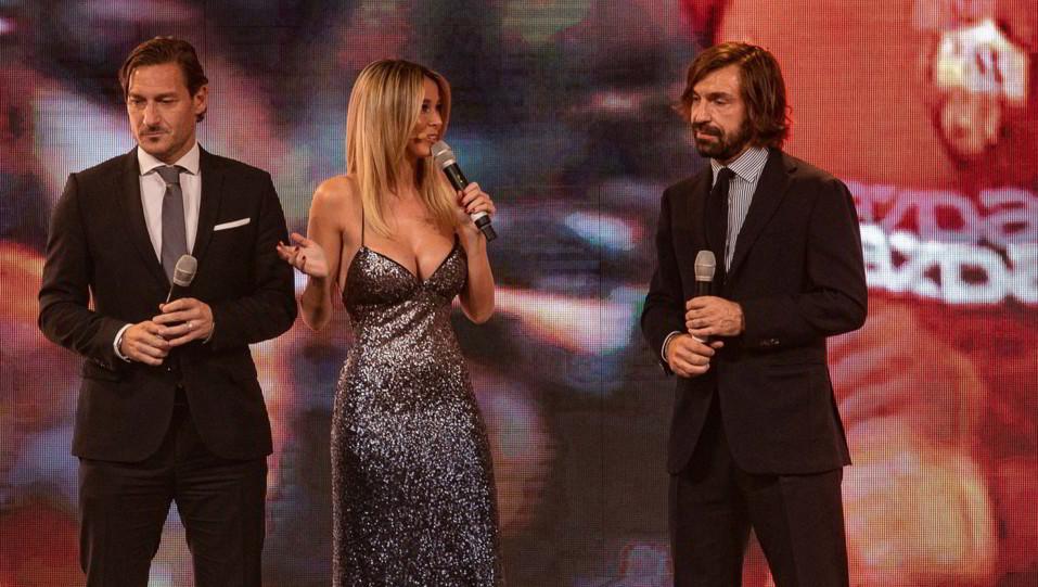 Francesco Totti e Andrea Pirlo insieme a Diletta Leotta ©