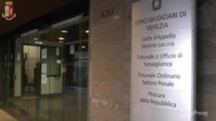 Furto a Palazzo Ducale di Venezia, ecco come la polizia ha incastrato i ladri
