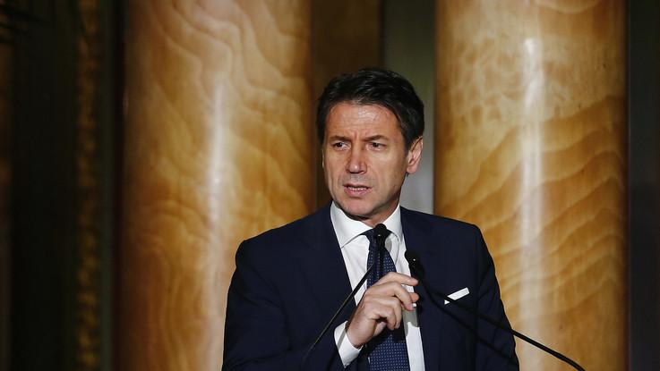 """Manovra, Conte: """"Con Ue parlo io"""". Oettinger: """"Nuova bozza soddisfi criteri di stabilità"""""""