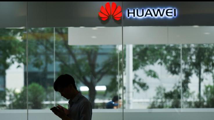 Huawei, il gigante da 180mila dipendenti e più di 7 miliardi di dollari di utile