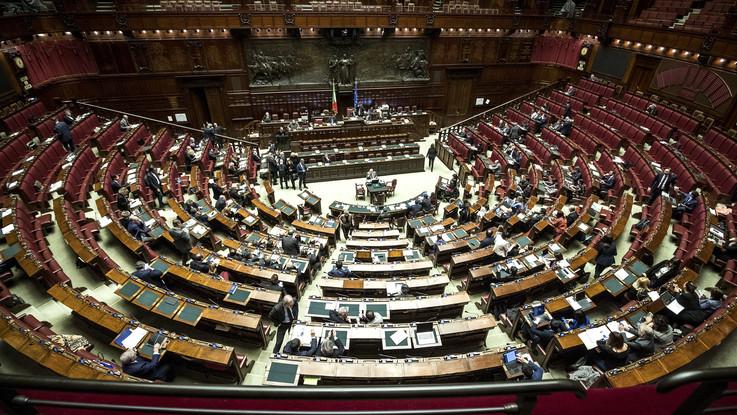 """Manovra, governo pone questione fiducia alla Camera. Di Maio: """"Taglio pensioni d'oro, dal 25% al 40%"""""""