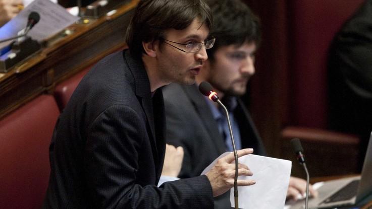Matteo Dall'Osso lascia M5S e aderisce a Forza Italia: ora rischia 150mila euro di penale
