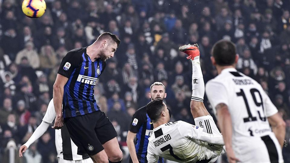 Cristiano Ronaldo in rovesciata ©