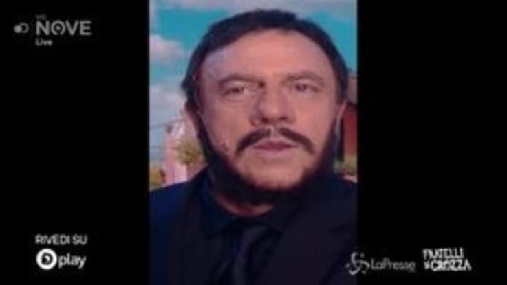 Crozza/Salvini in diretta su Facebook continua a svelare le operazioni segrete della polizia