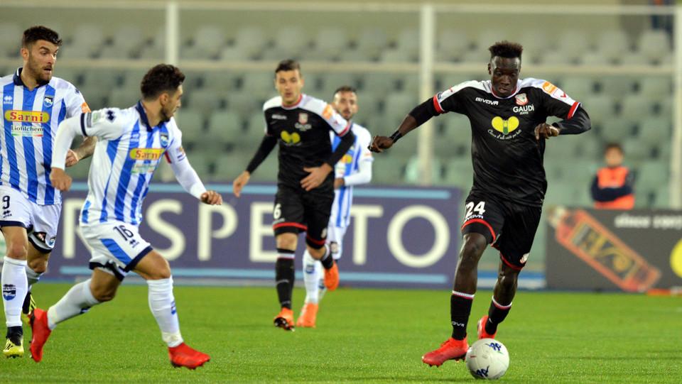 Pescara-Carpi 2-0. Mbaye ©