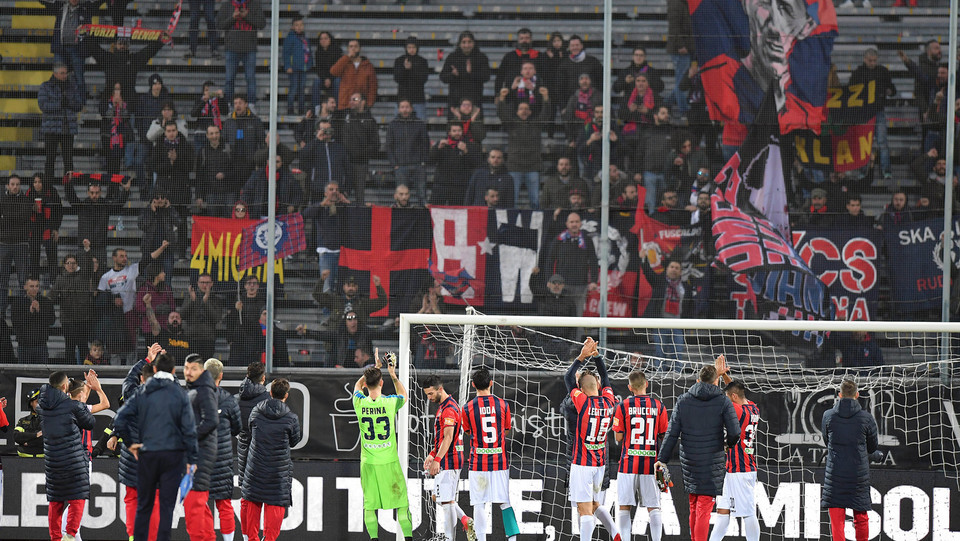 Spezia-Cosenza 4-0. I calabresi ringraziano i propri tifosi delusi dalla vittoria ©