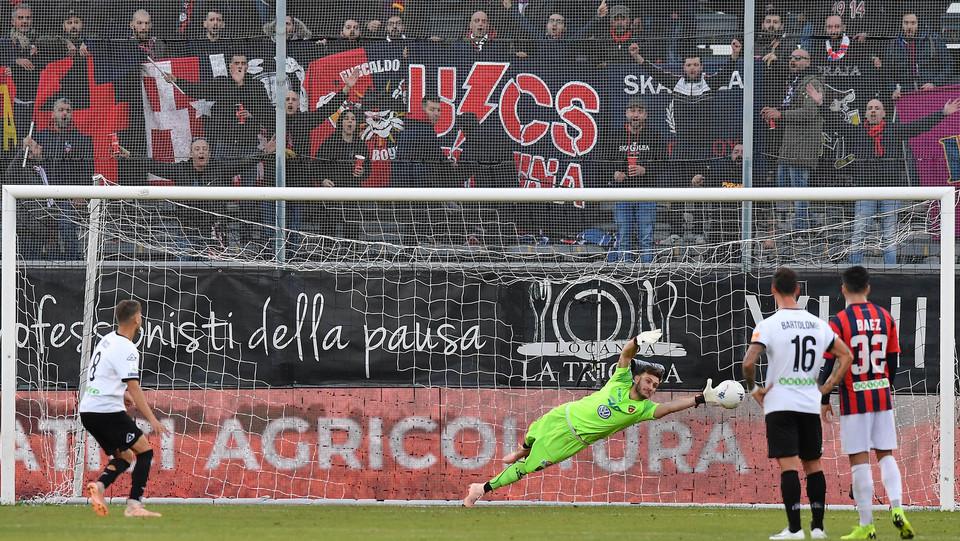 Spezia-Cosenza 4-0. Ricci da rigore fa poker ©