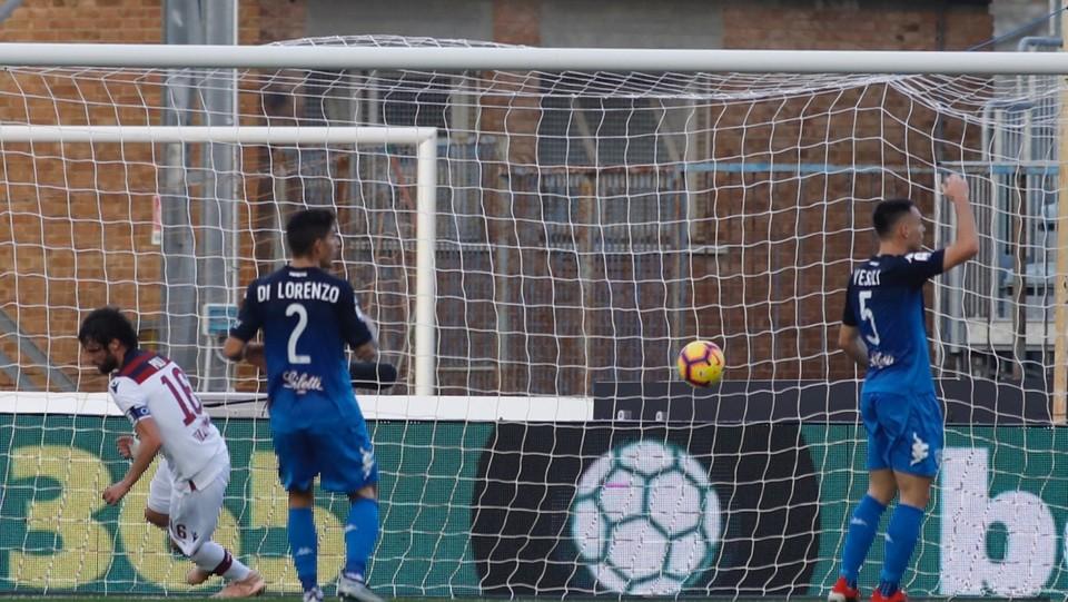 41' Pareggio del Bologna: gol di Andrea Poli ©
