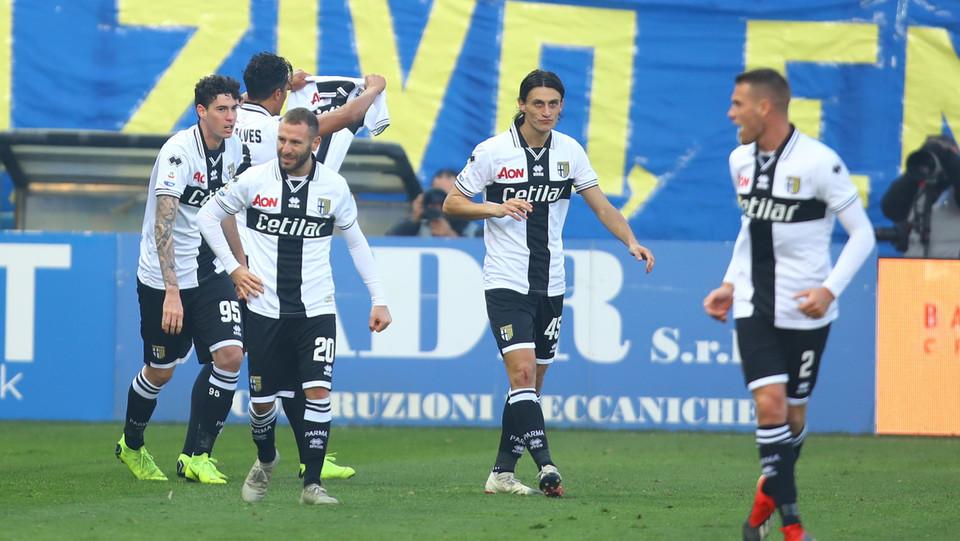 Il Parma esulta per il pareggio ©