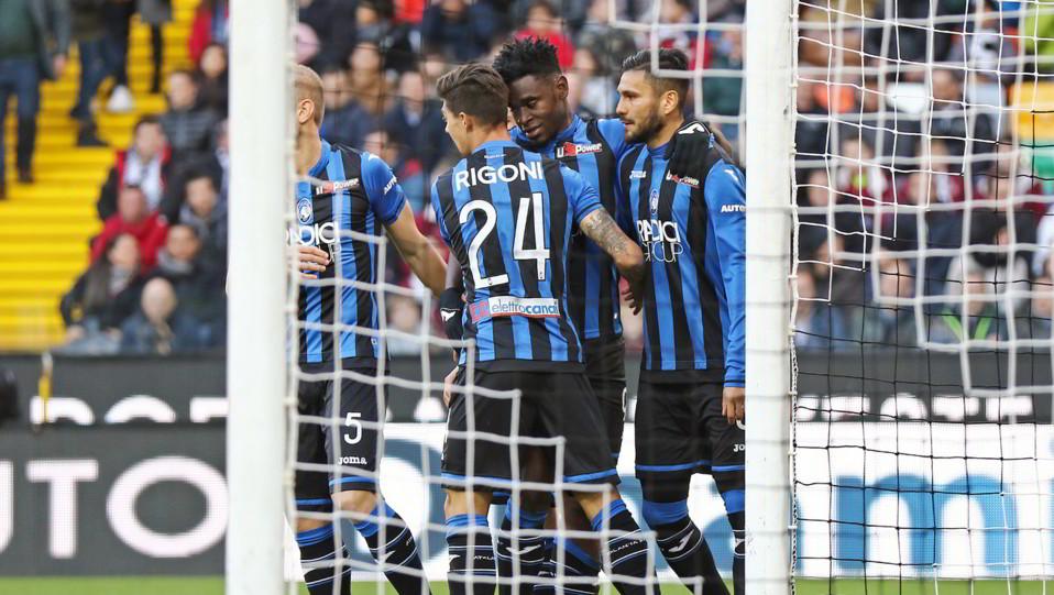 Zapata esulta per il gol ©