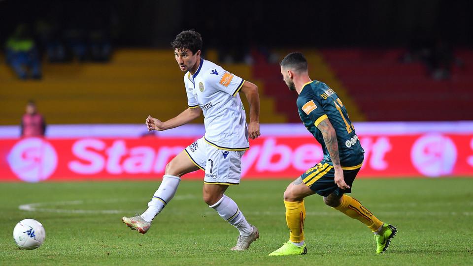 Benevento-Verona 0-1. Cristian contro Ryder ©