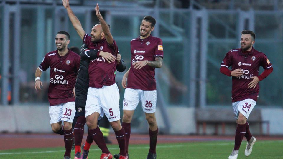 Livorno-Foggia 3-1. Bruno festeggia dopo il tris ©