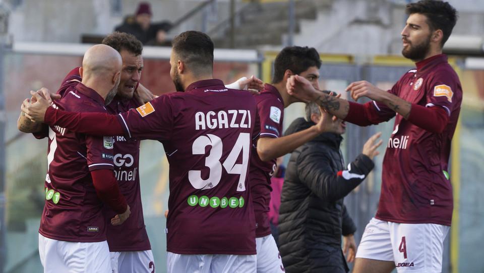 Livorno-Foggia 3-1. Il nuovo vantaggio di Diamanti ©