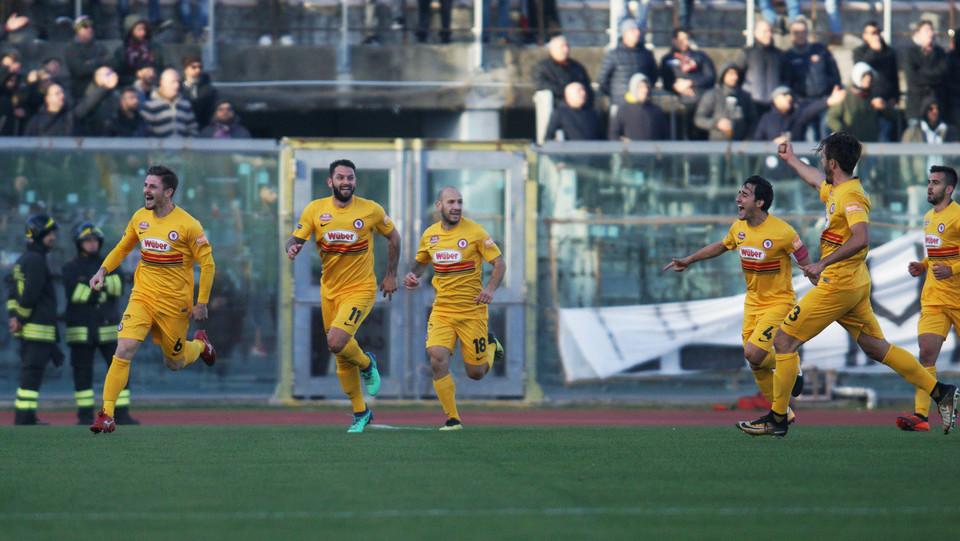 Livorno-Foggia 3-1. Il pari di Loiacono ©